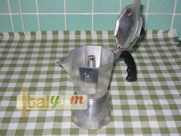 Preparing coffee with the moka | Top tips